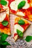 Pizza Margherita Odgórny widok Zdjęcia Stock