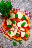 Pizza Margherita Odgórny widok Zdjęcie Stock