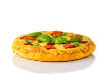 Pizza Margherita su fondo bianco Immagine Stock Libera da Diritti