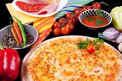 Pizza Marguerita immagini stock