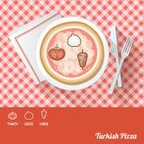 Pizza med ingredienser Arkivfoto