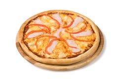 Pizza med skinkaostpeppar och ananas Royaltyfri Fotografi