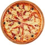 Pizza met bacon en gerookt vlees Stock Fotografie