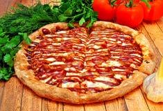 Pizza met een barbecue Royalty-vrije Stock Foto
