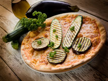 Pizza met geroosterde courgettes Royalty-vrije Stock Fotografie