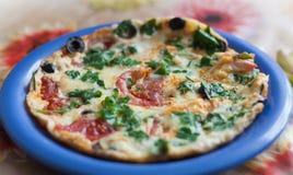 Pizza met groenten en olijf Royalty-vrije Stock Afbeelding