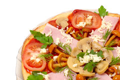 Pizza met paddestoelen en geïsoleerdeT ham royalty-vrije stock afbeelding
