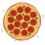 Pizza met pepperonisplakken Stock Afbeelding