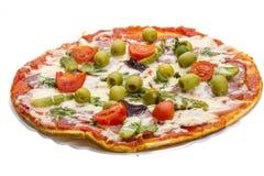Pizza met salami Stock Foto's