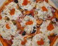 Pizza met zeevruchten Stock Afbeelding