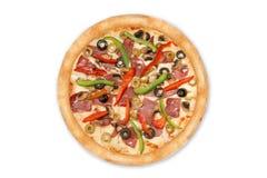 Pizza mista dalla cima isolata su fondo bianco per il menu e la vista delle disposizioni fotografia stock libera da diritti