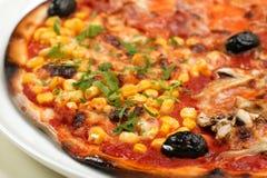 Pizza misturada Imagens de Stock Royalty Free