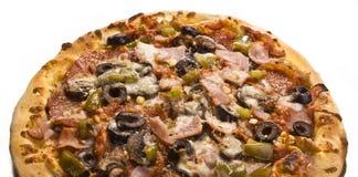 Pizza mit alles Stockfotos