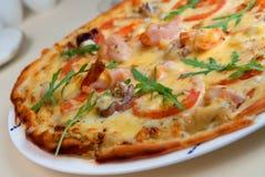 Pizza mit essbaren Meerestieren Lizenzfreies Stockfoto