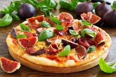 Pizza mit Feigen, Stockbilder
