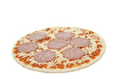 Pizza mit Salami lizenzfreies stockfoto