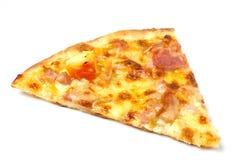 Pizza mit Schinken und Käse auf hölzernem Hintergrund stockfoto