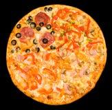 Pizza mit vier Jahreszeiten, Ausschnittspfad Lizenzfreie Stockfotografie