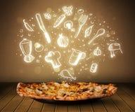 Pizza mit weißen Restaurantikonen und -symbolen Lizenzfreies Stockfoto