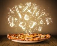 Pizza mit weißen Restaurantikonen und -symbolen Stockfoto