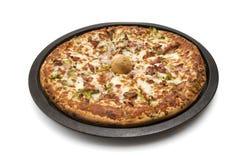 Pizza na bandeja Imagens de Stock Royalty Free