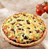 Pizza na talerzu obraz royalty free