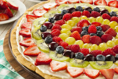 Pizza naturelle faite maison de fruit Photographie stock