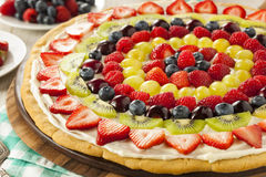 Pizza naturelle faite maison de fruit Photographie stock libre de droits