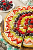 Pizza naturelle faite maison de fruit Images libres de droits