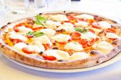 Pizza in Neapel Lizenzfreies Stockbild