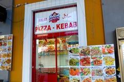 Pizza och kebab Arkivbild