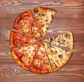 Pizza ohne eine bessert, vegetarischer Pilz und Fleisch aus lizenzfreies stockfoto