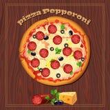 Pizza op de houten achtergrond met ingrediënten Stock Foto