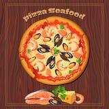 Pizza op de houten achtergrond met ingrediënten Royalty-vrije Stock Foto's