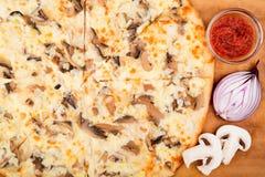 Pizza op de lijst Royalty-vrije Stock Foto