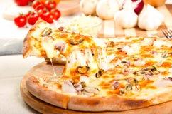 De pizza van zeevruchten Stock Foto