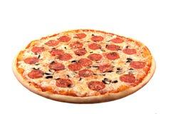 Pizza op witte achtergrond stock fotografie