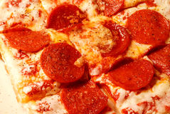 pizza pepperoni z serem Zdjęcia Stock
