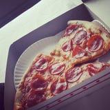 Pizza perfecta Fotografía de archivo libre de regalías