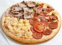 Pizza, pizzas europeas y cocina americana fotos de archivo