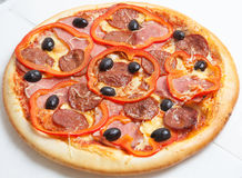 Pizza, pizzas europeas y cocina americana imagenes de archivo