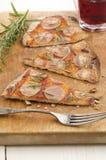 Pizza plate mince de pain avec la pomme de terre Photo stock