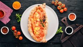 Pizza Plato tradicional italiano fotos de archivo libres de regalías