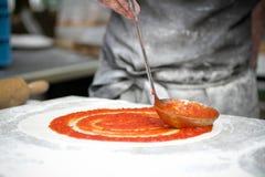 Pizza producent Zdjęcie Royalty Free