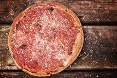 Pizza profonde de plat Photographie stock libre de droits