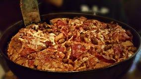 Pizza profonde gastronome de viande du plat 3 Photos libres de droits