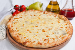 Pizza Quattro Formaggi Photo libre de droits