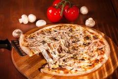 Pizza quente foto de stock