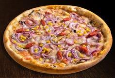 Pizza rústica Imagen de archivo