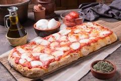 Pizza rectangular del ` s del romana Fotos de archivo libres de regalías